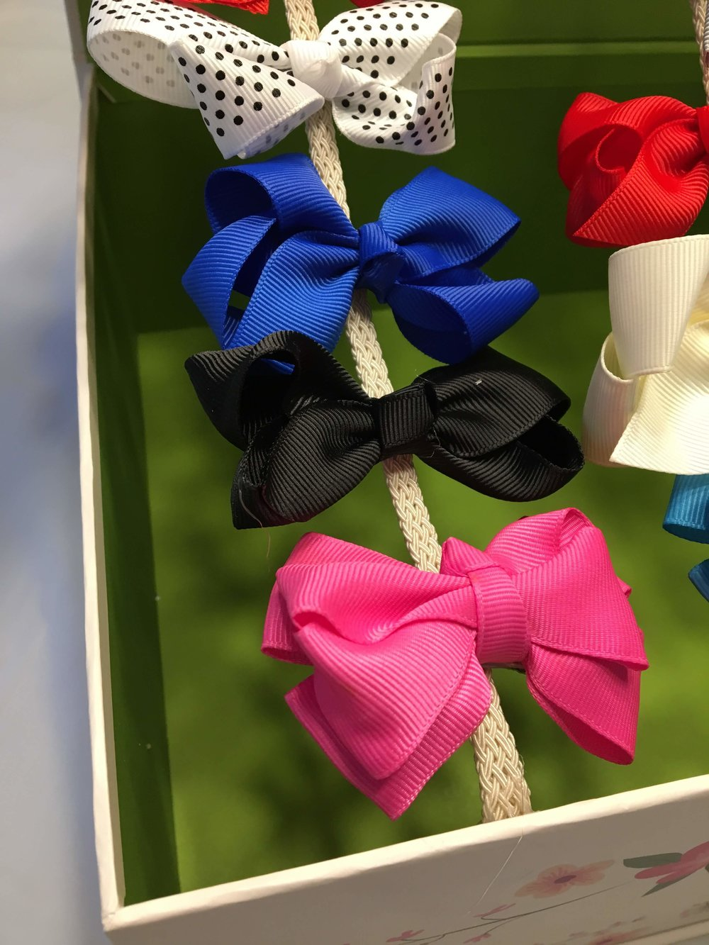 Clip your bows onto each piece and work out how many bows you would like to have on each piece.