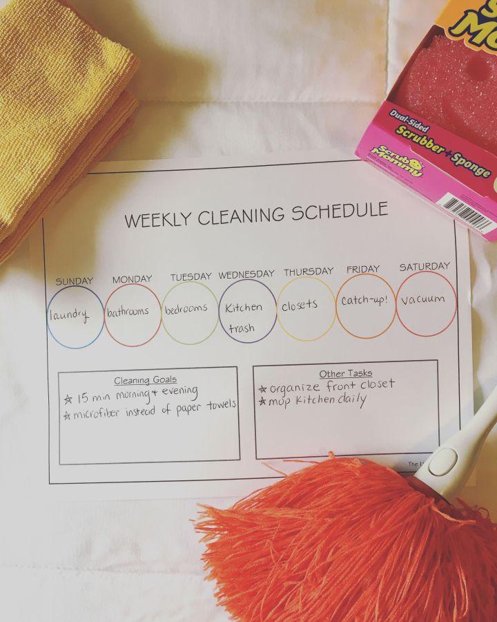 Freebie! Weekly CleaningSchedule